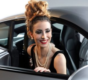 Tips to Wear Pearls to Your Workplace
