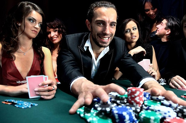 Tips to Become the Online Poker Pro