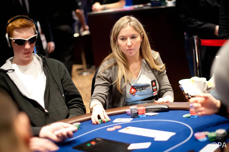 Why are online poker games so popular?